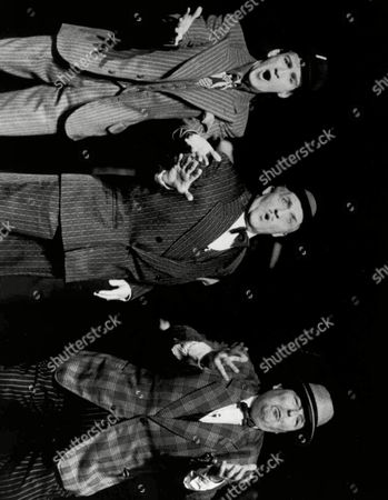 """HEALY David Healy, right, plays Nicely Nicely Johnson, and Mark Hadfield and Norman Rossington co-star in """"Guys and Dolls"""", the 1950 Frank Loesser musical that has been revived at London's Prince of Wales Theater in this 1985 photo. Healy, the portly Texas actor who won nightly ovations in London for his award-winning performance in the American classic ''Guys and Dolls,'' is dead at age 64. Healy had several heart operations in recent years, but his death was sudden and unexpected, his agent Meg Poole said"""