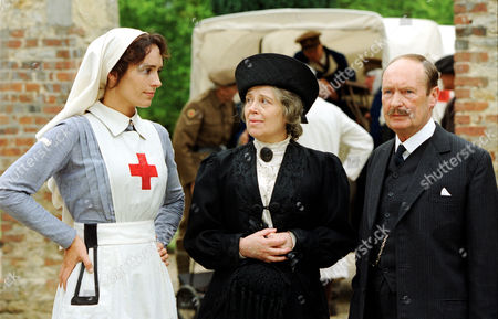 Juliet Aubrey (left) with Frances White and John Normington in 'The Unknown Soldier'