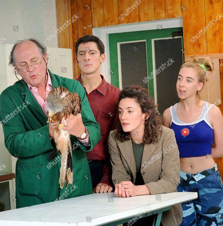 L-R.Anton Rodgers, Peter Wingfield, Orla Brady and Kate Alderton in 'Noah's Ark'