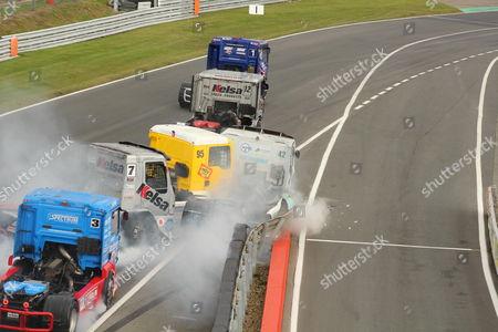 Crash involving drivers Stuart Oliver (7), Richard Collett (95) and Luke Garrett (42)