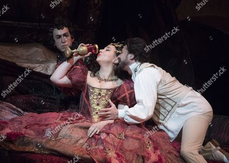 Vittorio Grigolo as Hoffmann, Christine Rice as Giulietta