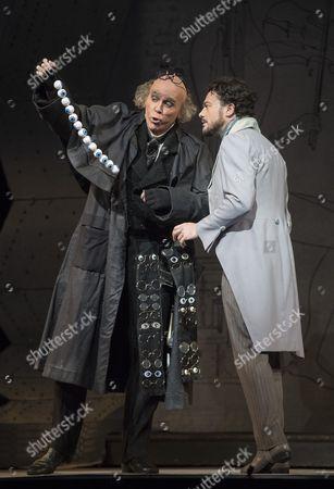 Thomas Hampson as Coppelius, Vittorio Grigolo as Hoffmann