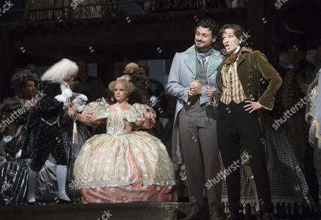 Christophe Mortagne as Spalanzani, Sofia Fomina as Olympia, Vittorio Grigolo as Hoffmann, Kate Lindsey as Nicklausse