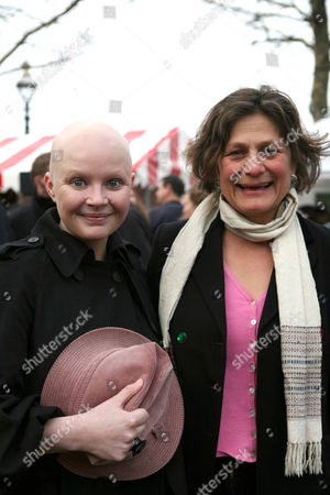 Stock Photo of Gail Porter and Fairtrade Foundation director Harriet Lamb