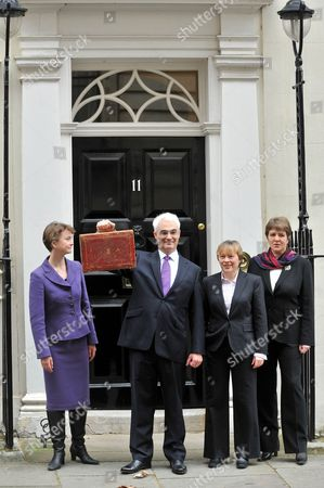 Chancellor Alistair Darling is joined by Chief Secretary to the Treasury, Yvette Cooper, Financial Secretary to the Treasury, Jane Kennedy and Exchequer Secretary to the Treasury, Angela Eagle.