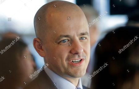 Evan McMullin Independent presidential candidate Evan McMullin talks during a meet and greet at the One Man Band Diner, in Lehi, Utah. McMullin has surged in Utah polls and has a chance to capture the state's six electoral votes from Trump or draw off enough conservative votes to allow Hillary Clinton to scrape out a win