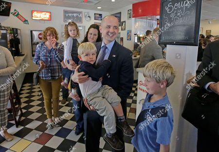 Evan McMullin Independent presidential candidate Evan McMullin poses for a photograph with Derek Ball, 2, during a meet and greet at the One Man Band Diner, in Lehi, Utah. McMullin has surged in Utah polls and has a chance to capture the state's six electoral votes from Trump or draw off enough conservative votes to allow Hillary Clinton to scrape out a win