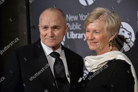 Ray Kelly, Veronica Kelly