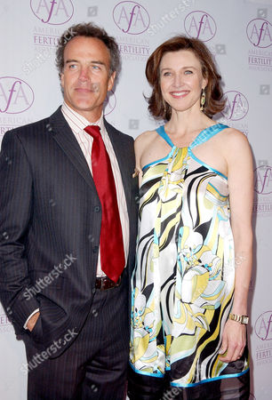 Richard Burgi and Brenda Strong