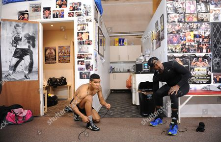 Boxing. Nigel And Son Connor Benn Train In Tony Sims Gym Brentwood Connor Benn And Nigel Prepare For The Session.