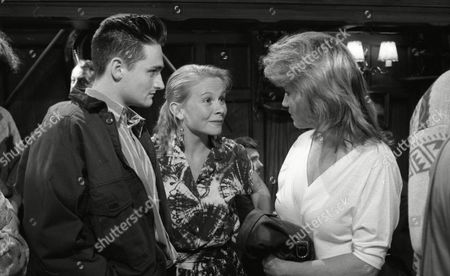 Matthew Vaughan (as Michael Feldmann) and Glenda McKay (as Rachel Hughes) with Sally Knyvette (as Kate Sugden) (Episode 1580 - 6th August 1991)