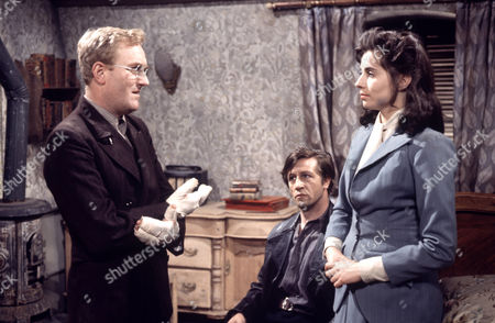 'Manhunt'   TV Robert Hardy, Alfred Lynch and Cyd Hayman