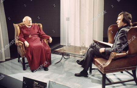 Simon Dee interviews the Archbishop of Canterbury   TV