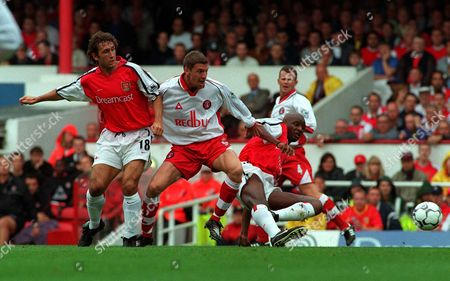 Andy Hunt (Charlton Athletic) Gilles Grimandi and Patrick Vieira (Arsenal) Arsenal v Charlton Athletic 26/8/00