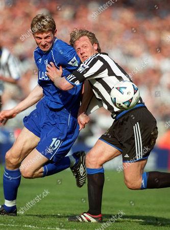 Warren Barton (Newcastle) and Tore Andre Flo (Chelsea) Chelsea v Newcastle United FA Cup Semi-Final Wembley Stadium 9/04/2000 Great Britain London