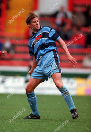 Mark Lever (Grimsby Town) Sheffield United v Grimsby Town 8/4/2000 Great Britain Sheffield