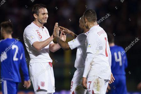Football - World Cup 2014 Qualifier - Group H: San Marino vs England Frank Lampard of England congratulates goal scorer Jermain Defoe at the Olympic Stadium San Marino