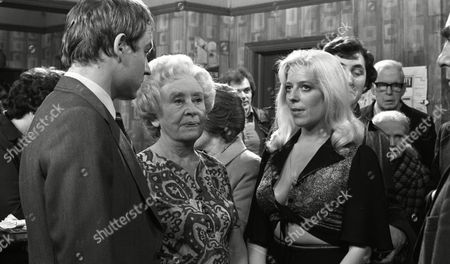 Coronation Street Apr 1976 F867 Coronation Street Apr 1976 F867  Geoffrey Bateman (as Philip Lightfoot) Doris Speed (as Annie Walker) and Julie Goodyear (as Bet Lynch)