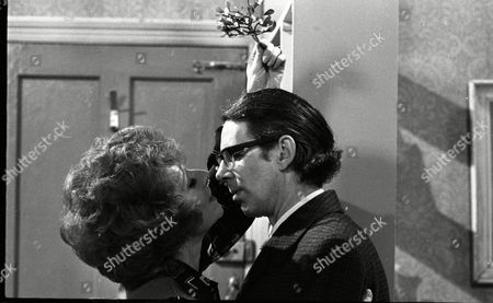 Coronation Street Dec 1979 E494 Barbara Knox (as Rita Fairclough) and Stephen Hancock (as Ernest Bishop)