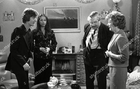 Coronation Street Dec 1979 E494 Don Hawkins (as Trevor Barlow) Mary Tamm (as Polly Ogden) Bernard Youens (as Stan Ogden) and Jean Alexander as (Hilda Ogden)