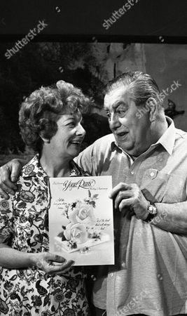 Stock Image of Coronation Street Jun 1985 L287 The Ogdens wedding anniversary  Jean Alexander as Hilda Ogden) and Bernard Youens (as Stan Ogden)