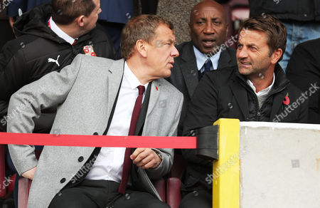 Swindon Director of Football Tim Sherwood talks to Chairman Lee Power during the Sky Bet League One match between Swindon Town and Charlton Athletic played at the County Ground, Swindon on 12th November 2016