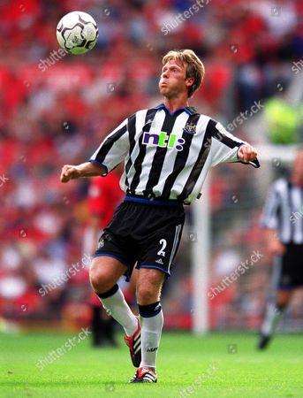 Warren Barton (Newcastle United) Manchester United 2:0 Newcastle United F A Carling Premiership 20/8/2000 Great Britain London