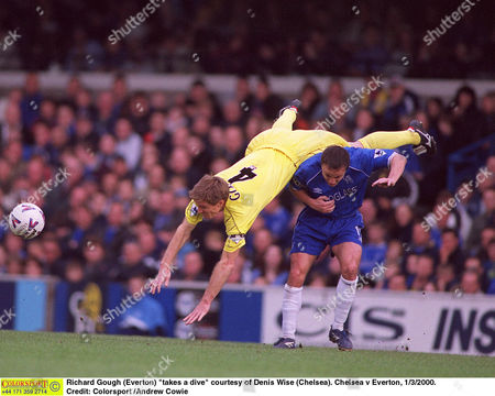 Richard Gough (Everton) 'takes a dive' courtesy of Denis Wise (Chelsea) Chelsea v Everton 11/3/2000 Great Britain London