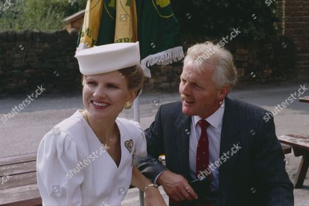 Christopher Chittell (as Eric Pollard) and Siv Borg (as Toril, Norwegian dignatory to twin towns) (Episode 1590 - 11h September 1991)