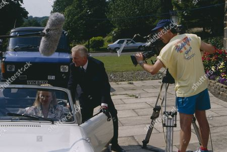 Behind the scenes filming with Christopher Chittell (as Eric Pollard) and Siv Borg (as Toril, Norwegian dignatory to twin towns) (Episode 1590 - 11h September 1991)