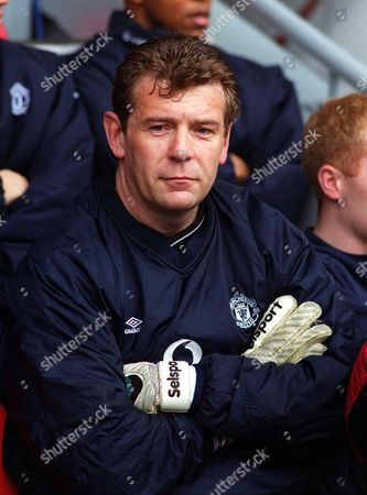 Andy Goram (Manchester United) Liverpool v Manchester United 31/3/2001 Great Britain Liverpool