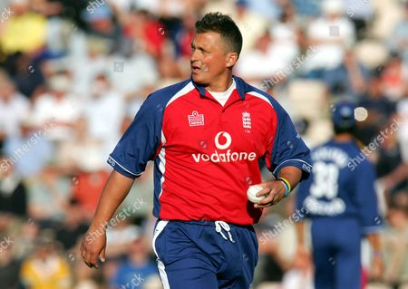 Richard Gough (England) England v Australia Twenty 20 game 13/6/2005 at the Rose Bowl Southampton