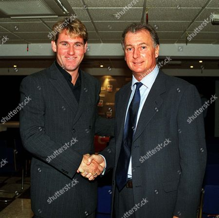 Simon Jordan (Crystal Palace Chairman) welcomes Trevor Francis to his club as the new Manager Crystal Palace Press conference 30/11/2001  Great Britain London