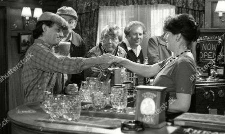 Stan Richards (as Seth Armstrong), Frazer Hines (as Joe) and Philomena McDonagh (as new Woolpack barmaid Carol) (Episode 1596 - 1st October 1991)