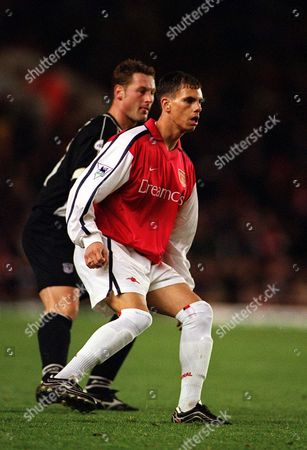 Jeremie Aliadiere (Arsenal) Paul Groves (Grimsby Town) Arsenal v Grimsby Town Worthington Cup 4th Round 27/11/2001 Great Britain London
