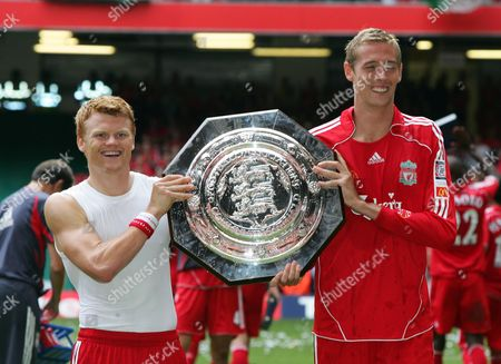 JOHN ARNE RIISE AND PETER CROUCH SCORES FOR LIVERPOOL F A COMMUNITY SHIELD 2006 CHELSEA v LIVERPOOL 13/08/2006