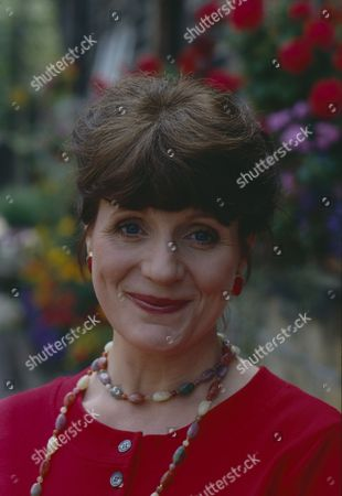 Philomena McDonagh (as new Woolpack barmaid Carol) (Episode 1597 - 3rd October 1991)