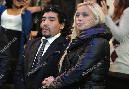 Tennis - Barclays ATP World tour Finals 2010 at the 02 arena London 22/11/2010 Diego Maradona with his girlfriend Veronica Ojeda at the match Murray v Federer
