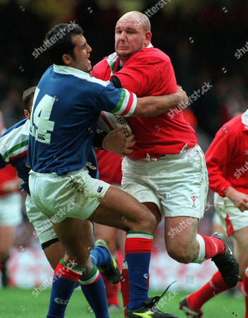 Craig Quinnell (Wales) Cristian Stoica (Italy) Wales v Italy Six Nations Rugby Champioship Millennium Stadium Cardiff 19/02/2000 Great Britain Cardiff