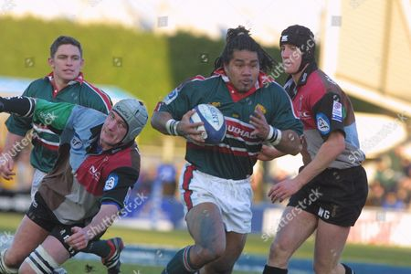 Freddie Tuilagi (Leicester) goes past Alex Codling and Will Greenwood (Harlequins) Harlequins v Leicester 22/12/2001 Great Britain London