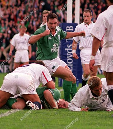 Keith Wood (Ireland) goes over the line to score their 1st half try with David Wallace in support Ireland v England Six Nations Championship 20/10/2001 Ireland Dublin