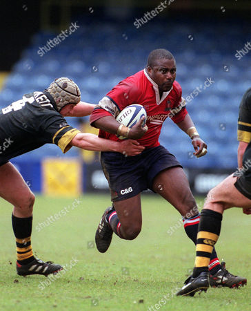 Stock Photo of Steve Ojomoh (Gloucester) Richard Birkett (Wasps) Wasps v Gloucester Premiership Play-Off 29/04/2001 Great Britain London