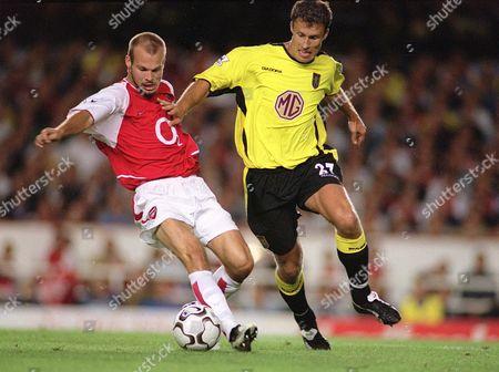 Fredrik Ljungberg (Arsenal) Ronny Johnsen (Villa) Arsenal v Aston Villa FA Premiership 27/08/2003