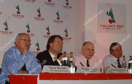 (l-r) Terry Burwell Francis Baron Graeme Cattermole and Paul Vaughan England's 2007 Rugby World Cup Bid Twickenham 21/10/2002 Great Britain London