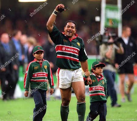 Freddie Tuilagi (Leicester) celebrates after the game with his children Leicester v Munster The European Cup Final The Millennium Stadium Cardiff 25/5/02 Great Britain Cardiff