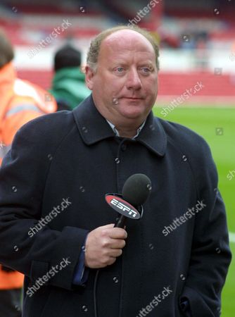 Alan Brazil (Radio Commentator) Arsenal v Manchester United at Highbury 28/3/04