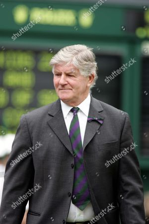Alan Mills (Wimbledon tournament Referee) Centre Court Wimbledon 2004