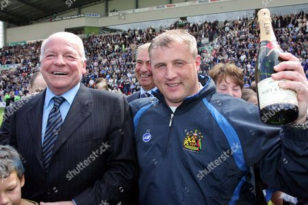 Paul Jewell (Wigan Manager) celebrates promotion with David Whelan (Chairman) Wigan Athletic v Reading 8/5/2005