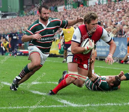GEORGE CHUTER UNABLE TO STOP JAMES FORRESTER GOING OVER ( GLOUCESTER ) LEICESTER TIGERS v GLOUCESTER GUINNESS PREMIERSHIP 16/09/2006