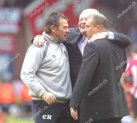 LEFT TO RIGHT = CHRIS HUTCHINGS ( ASST COACH ) DAVID WHELAN ( WIGAN CHARIMAN ) PAUL JEWELL ( WIGAN manager ) SHEFFIELD UNITED v WIGAN ATHELTIC BARCLAYS PREMIERSHIP AT BRAMALL LANE 13/05/2007 ENGLAND SHEFFIELD